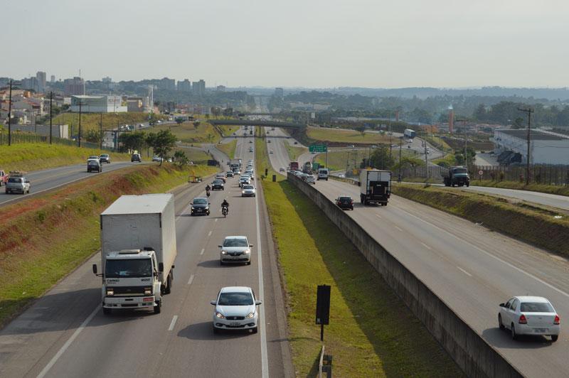 Alteração no Código de Trânsito muda regra para uso de farol nas rodovias